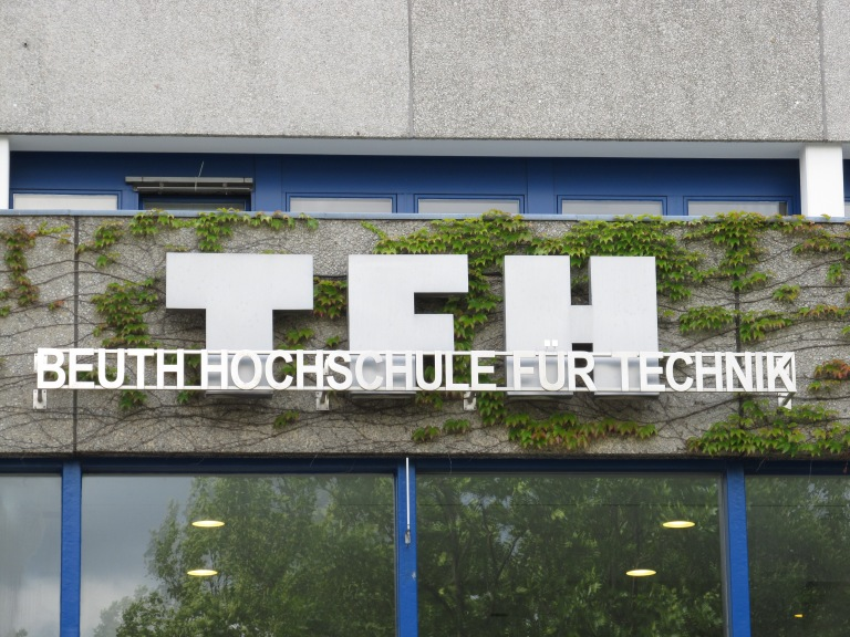 beuth-hochschule_fc3bcr_technik_berlin_2011-06-24_name